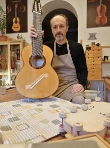 Il Maestro Falaschi con l'Epichorde® Tèleion